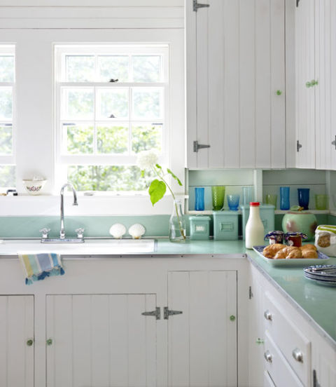 10 Inexpensive Ways to Completely Remodel Your Kitchen  How to Remodel Your Kitchen, Kitchen Remodeling, Kitchen Remodel 101, Kitchen Remodeling Hacks, Fast Home Improvements, Quick Home Remodels