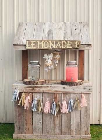 When Life Gives You Lemons: You DIY Lemonade Stands! DIY Lemonade Stand, Lemonade Stand Projects, Lemonade Stand Tutorials, Easy Tutorials, Home Decor Tutorials, Summer Activities, Summer Crafts for Kids