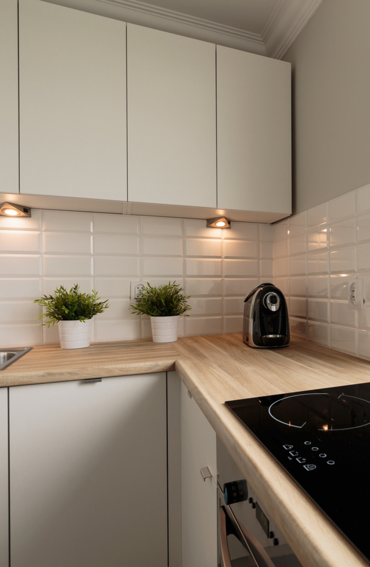 In my opinion, nothing says coastal home quite like subway tiles do. Get inspired to take the plunge and make your home look a little cozier with a coastal backsplash kitchen.