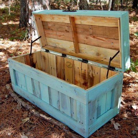 DIY Storage Chests, Handmade Storage Chests, DIY Cedar Chests, DIY Storage Chest Tutorials, DIY Home, DIY Furniture Projects, Furniture Projects for the Home, Popular Pin
