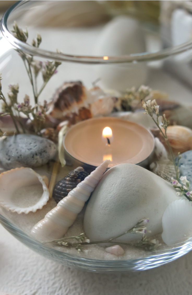 Did you know that you can get decor for your home at the beach? If you're looking for clever ways to reuse those found seashells, check out this list of amazing things to do with seashells.