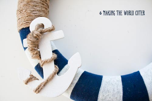 DIY Anchor Decor for the Coastal Home  Coastal Decor, Coastal Home Decor, Coastal Home, DIY Coastal Home, Anchor Decor, Home Anchor Decor, DIY Home, DIY Home Decor, DIY Anchor Decor, Popular Pin #DIYHome #CoastalHome #CoastalHomeDecor #HomeDIYs