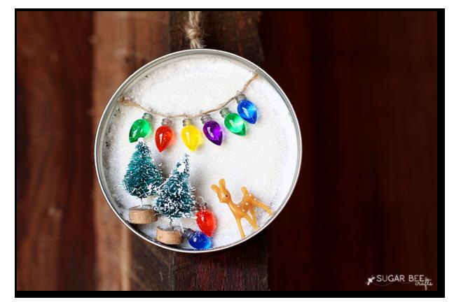 DIY mason jar Christmas ornaments| Christmas Ornaments, DIY Christmas Crafts, Mason Jar Christmas Ornaments, Mason Jar Crafts, Mason Jar Craft Projects, Craft Projects, Craft Projects for the Home #ChristmasCrafts #ChristmasOrnaments #HolidayCrafts