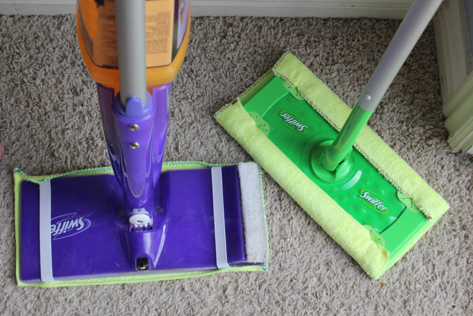 How to Make Your Own (Reusable!) Swiffer Pads| Swiffer Pads, Swiffer Pads DIY, Swiffer Wetjet Refill DIY, Swifer Pads Wetjet DIY, Swiffer Pads Crochet Pattern, Swiffer Pads DIY How to Make, Swiffer Pads DIY Free Pattern, DIY Cleaning, DIY Cleaning Products #SwifferPadsDIY #SwifferWetjetRefillDIY #Cleaning #DIYCleaningProducts