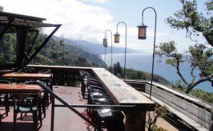 Big Sur restaurant with ocean views