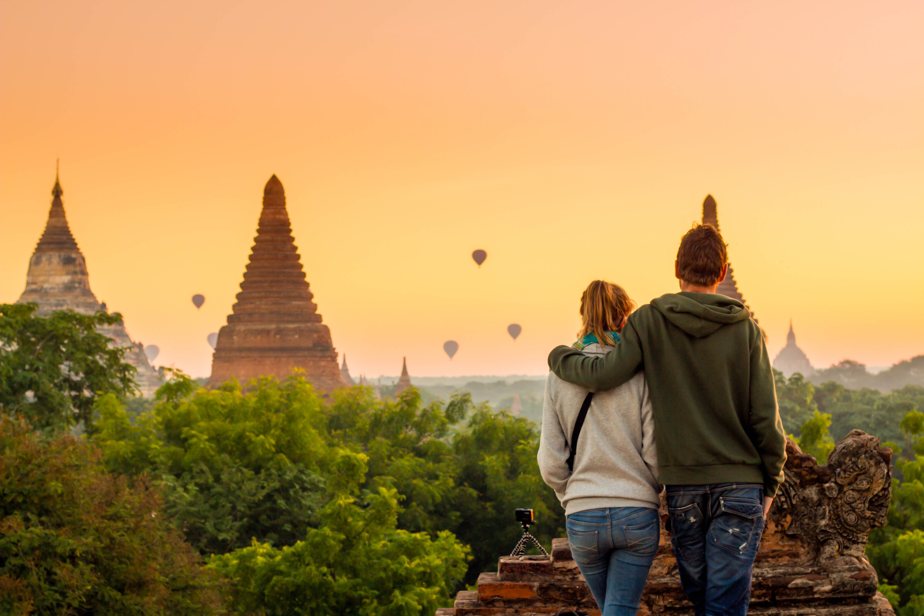 traveling couples   couples who travel   traveling   travel tips   tips and tricks for traveling   vacation tips