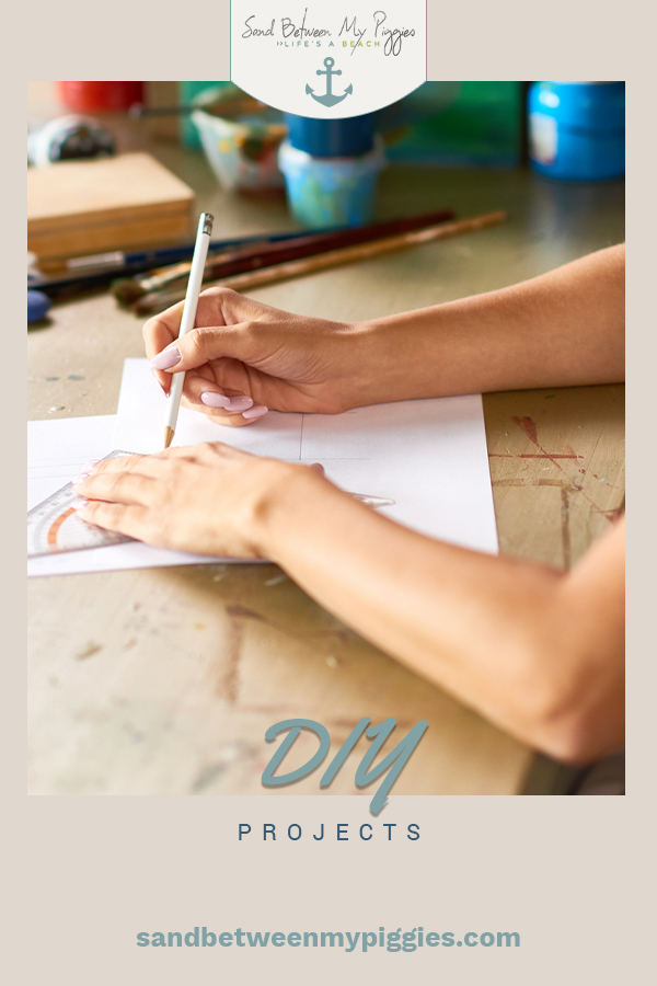 Got a little time on your hands? Then we have a few DIY projects to keep you busy. DIY projects for summer, kids, furniture and more. These are easy and doable for just about anyone. Whether you are a weekend DIYer of just one who likes to dabble here and there, this post will have lots of easy ideas for you! #easydiyprojects #DIyideas #diyprojects #sandbetweenmypiggiesblog