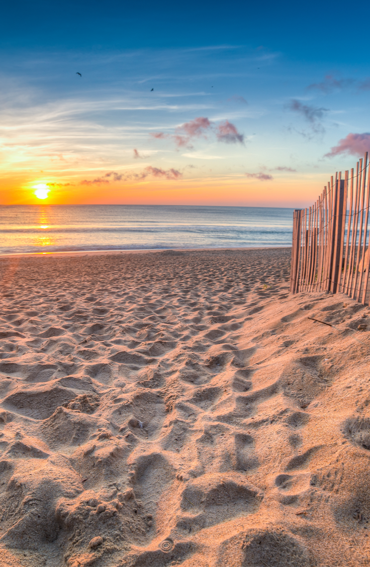 If you've never been here, the US has tons of incredible beach destinations...you just have to know where to look! Plan your next trip at one of these incredibly affordable US beach travel destinations on the East Coast. Take a look!
