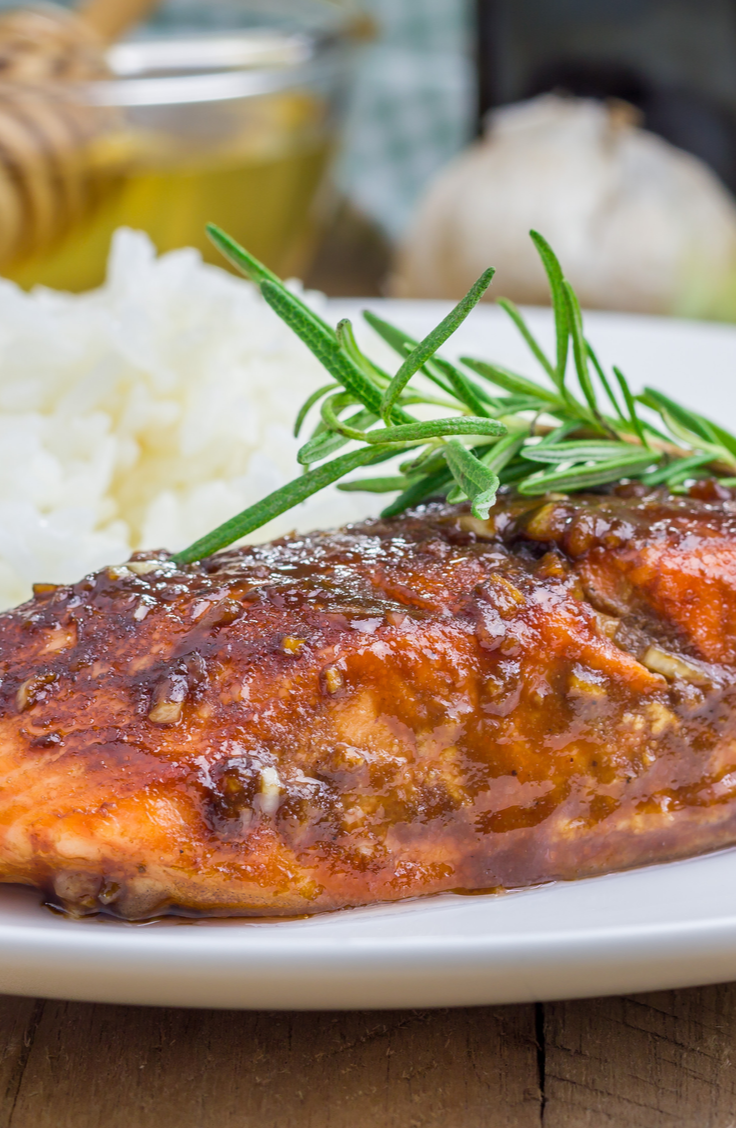 While vacationing, the last thing that you want to do is be a slave in the kitchen! Part of the fun of vacationing is to spend a lot of time eating, of course, but not a lot of time in the kitchen! Check out these easy vacation meals that don't take much time or effort. This maple crusted salmon is to die for!