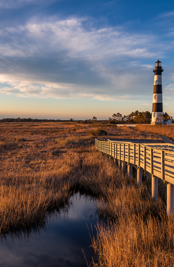 Check out six of our favorite family destinations on this list for all of the cheap places to travel in the US with kids. Your family will love Cape Hatteras Island, North Carolina!