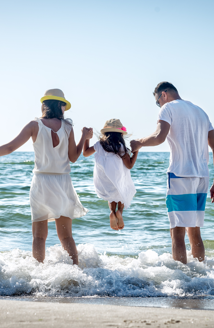 Check out six of our favorite family destinations on this list for all of the cheap places to travel in the US with kids. Your family will love Chincoteague Island, Virginia!