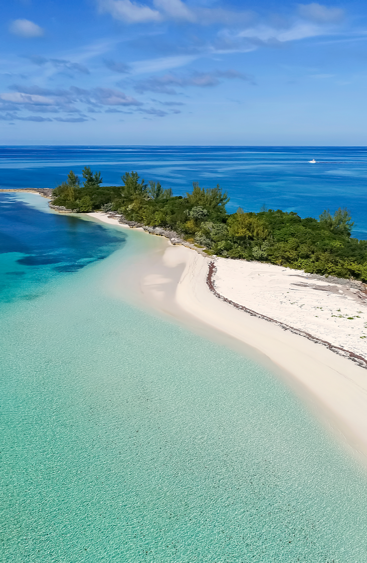 Traveling is the best. You get to go to new places and learn new things, who doesn't like that? If you're planning a trip this year, take a look at this list of dream vacations. Why not check out the Bahamas?