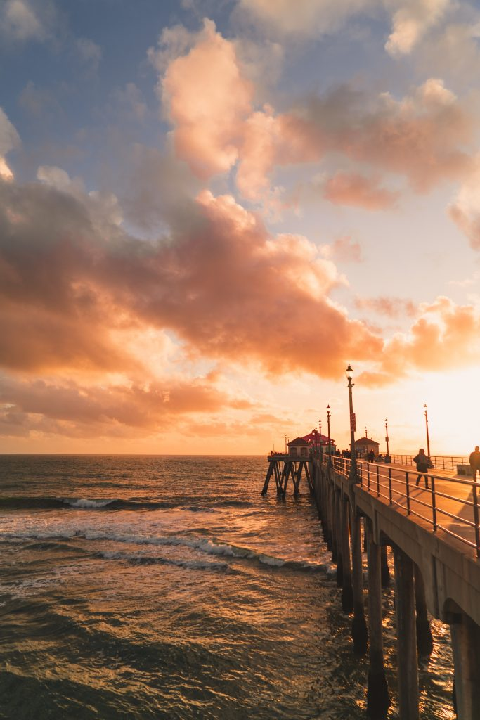 Check out six of our favorite family destinations on this list for all of the cheap places to travel in the US with kids. Your family will love Huntington Beach, California!