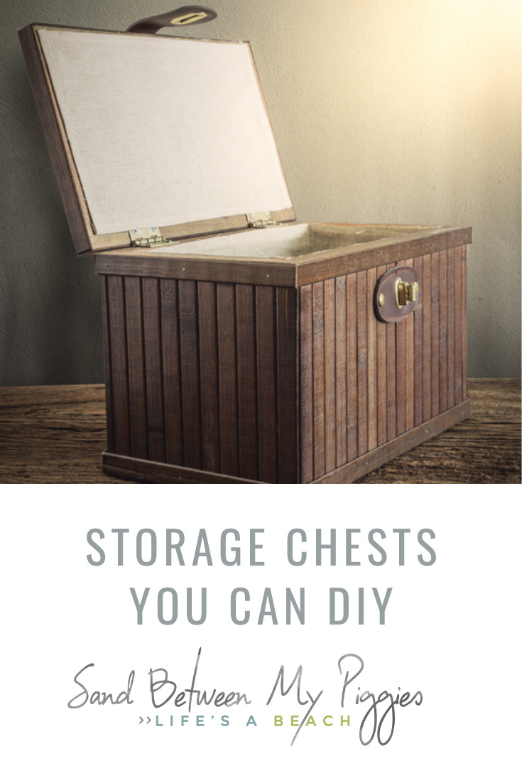 Sandbetweenmypiggies.com knows all about the art of simplicity. Find relaxation in your own life by reducing the stress of chaos and clutter. Try your hand at these insanely simple DIY storage chests!