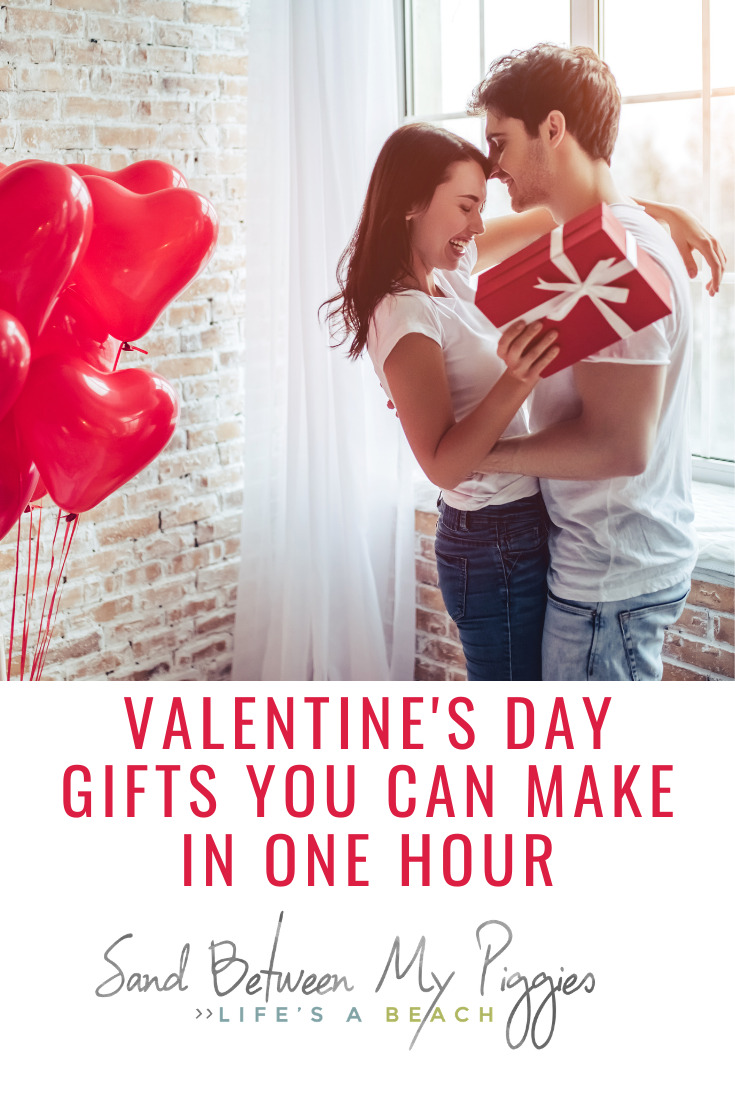 Sandbetweenmypiggies.com is all about living a simple life. Relieve the stress of finding the perfect Valentine's Day gift with these DIY ideas. Not only are handmade gifts sentimental, but these ones only take one hour to finish!