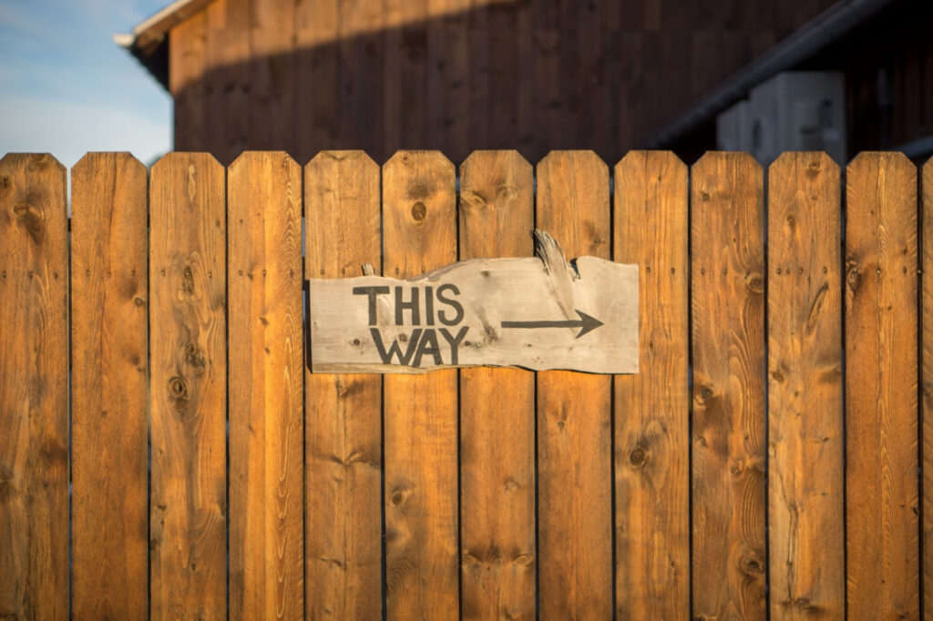 What to Do with Old Fence Boards - Make fence signs