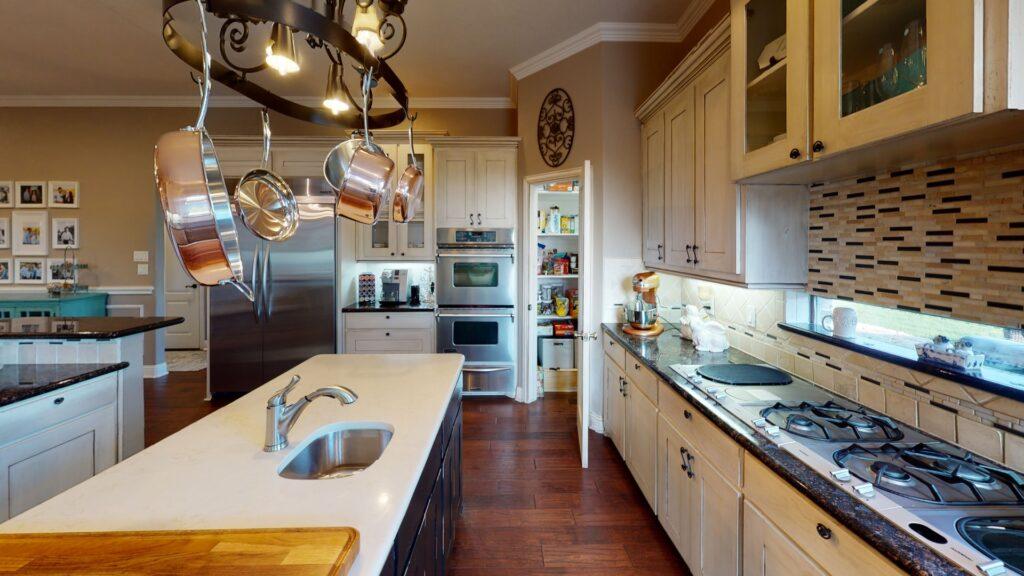 modern coastal kitchen ideas - white cabinets