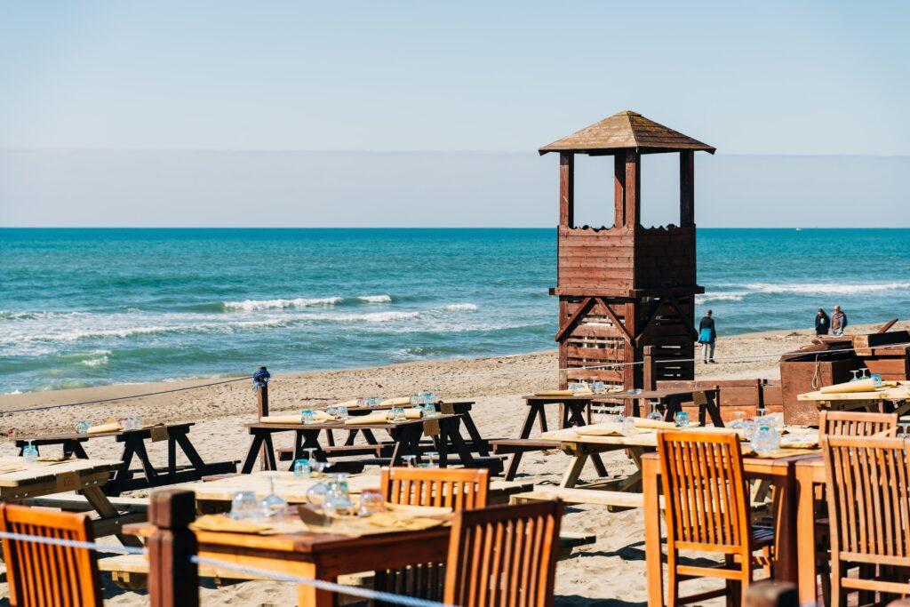 modern coastal kitchen ideas - lifeguard chairs