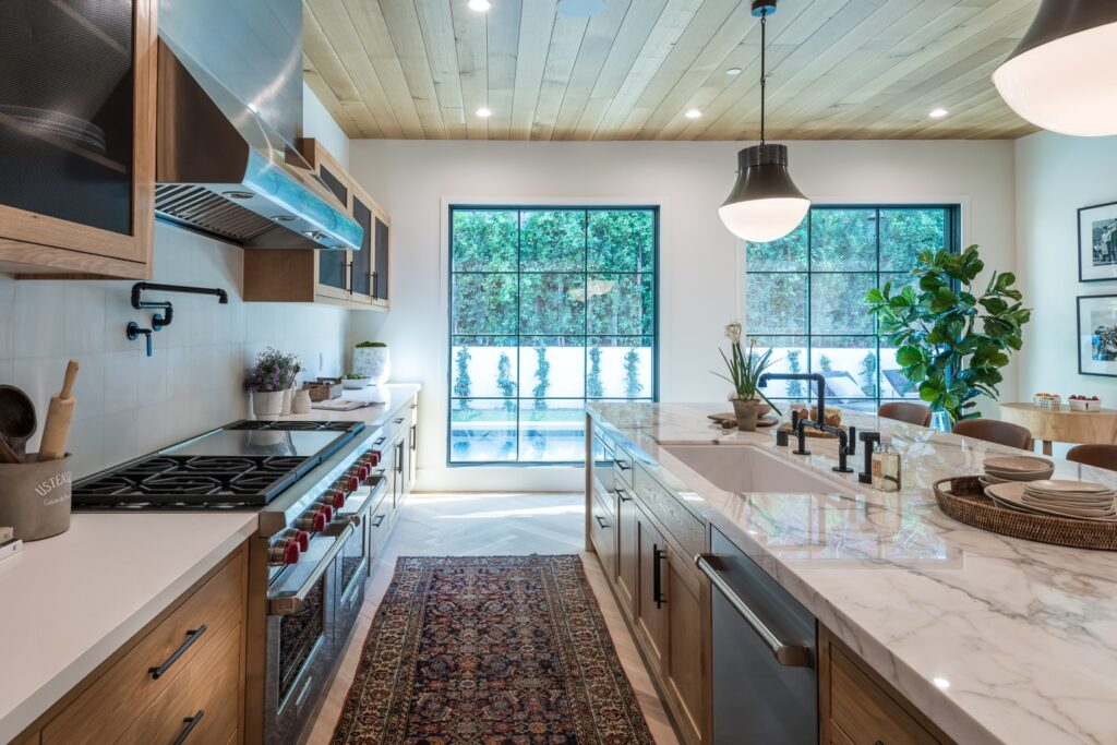 Adding turquoise to your kitchen decor